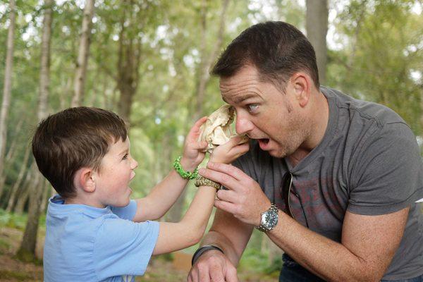 skull-biting-dad